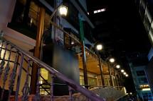 通り側を照らすライト
