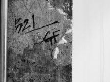 グリッドフレームのサインが店内のどこかにありますw